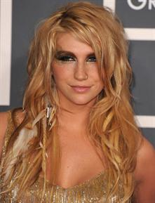 Ke$ha feathers