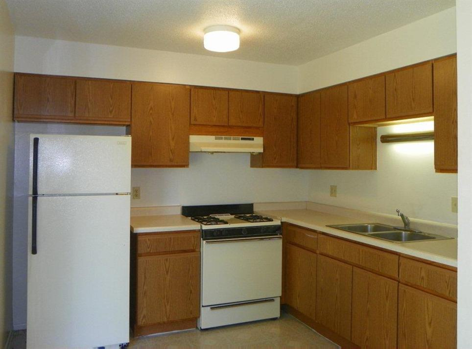 Lincoln Sqaure - Normal, IL Apartments - Dominion Realty